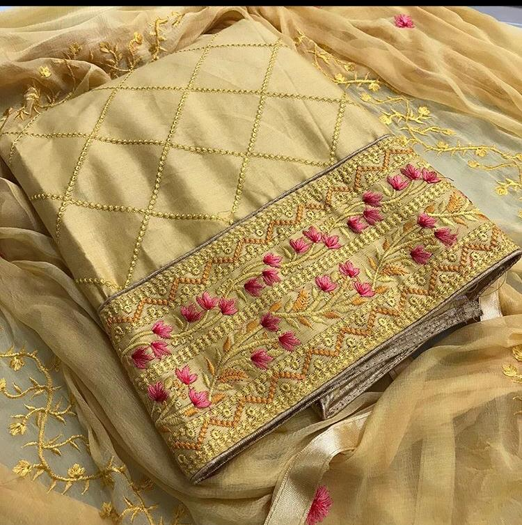 TRADITIONAL SUITS FOR WOMEN WHOLESALE IN INDIA